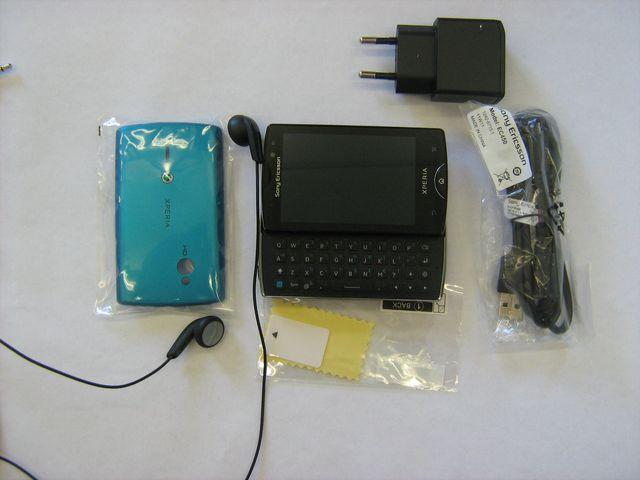 obsah balení Sony Ericsson Xperia mini pro - černá