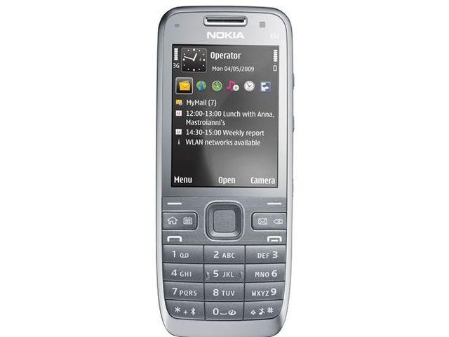 obsah balení Nokia E52 Metal Grey + Nabíjecí sada na kolo Nokia