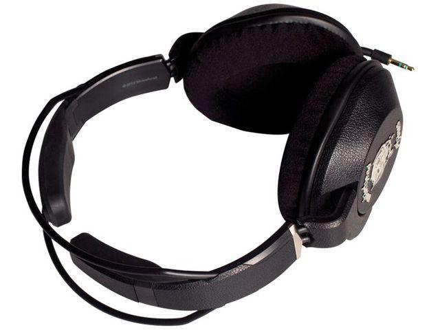 obsah balení Náhlavní sluchátka Motörheadphönes Iron Fist (černá) + Pouzdro Burner L (černá/bílá)